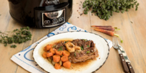 Rasol de vita in bere la Slow Cooker Crock-Pot 4.7L Digital by Diva in bucatarie